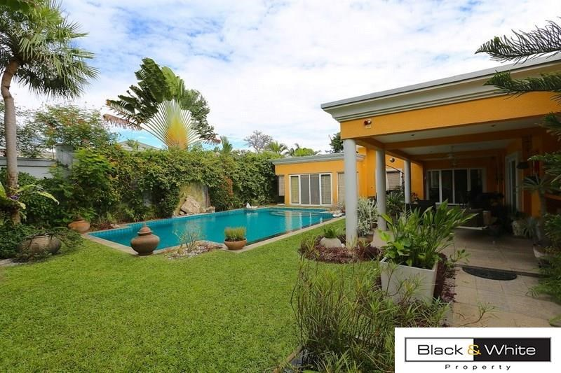 Luxury Pool Villa for sale at East Pattaya HOT DEAL - House - Pattaya East -