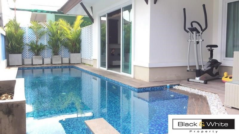 Modern Pool Villa for sale close to the city - House - Jomtien -